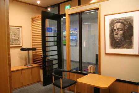 名古屋市中区栄の中日ビル1F 美術品買取販売 アートギャラリー小森